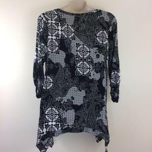 Grace Elements Woman black & white printed tunic